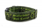 Halsband Staffordshire Bull Terrier Green - Detail des Musters
